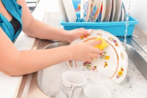 castile-soap-washing-dishes